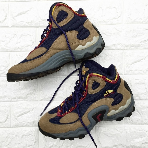 NIKE ACG Active Hiking Boots 7.5. M 5ad7a1bd077b978d366b5166 881c54eb4